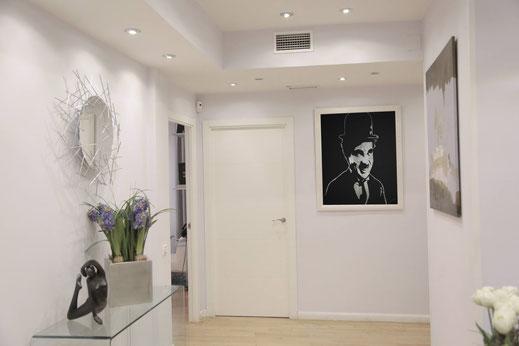 Portait paillettes de Charlie Chaplin en glitter painting