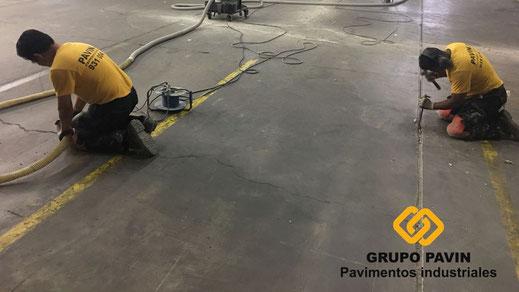 Reparación de juntas y fisuras en un pavimento industrial de Barcelona