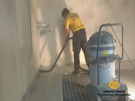 Aspiración industrial para dejar la superficie limpia