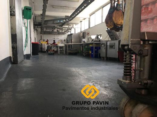 Foto zona trabajo antes de la aplicación de las resinas del pavimento para una carnicería