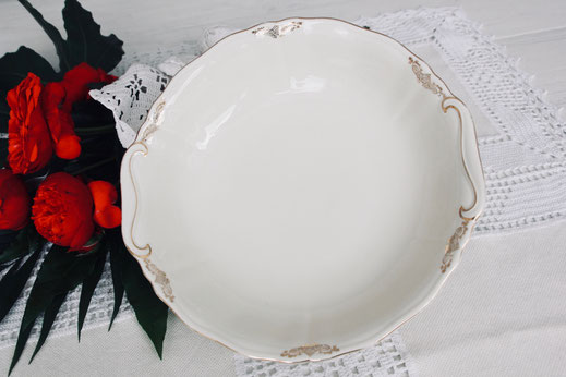 salatschale Schüssel vintage antik Porzellan gemischt creme weiss gold verspielt Hochzeit Geburtstag party Geschirr verleih mieten tischleihendeckdich Tischlein deck dich