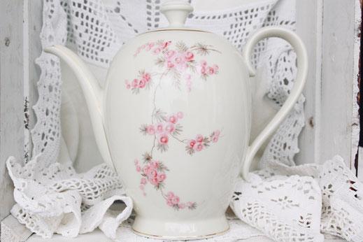 vintage Kaffeekanne Teekanne antik Porzellan creme rosa Blumen Hochzeit Geburtstag party Geschirr verleih mieten tischleihendeckdich Tischlein deck dich