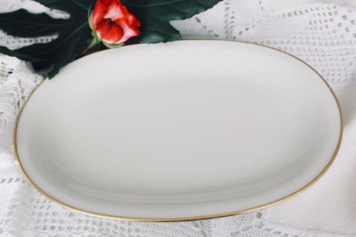 vintage servierplatte antik Porzellan creme gold Hochzeit Geburtstag party Geschirr verleih mieten tischleihendeckdich Tischlein deck dich