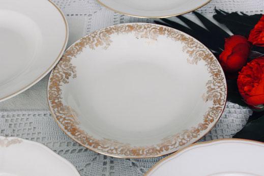 vintage Suppenteller antik Porzellan gemischt weiss Creme gold verspielt Hochzeit Geburtstag party Geschirr verleih mieten tischleihendeckdich Tischlein deck dich