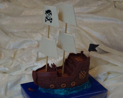 Kindergeburtstag Dekor, kindergeburtstag für jungs, Piratenschiff Marzipan, Tortendekoration Kind, Geburtstagskuchen