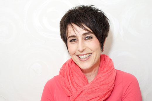 Denise Donà, Geschäftsführerin lemongrass Lenzburg, Kosmetik, Fusspflege, Stil- und Farbberatung, Visagistin