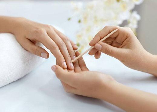 lemongrass Lenzburg, Manicure, Kosmetik, Kosmetikstudio