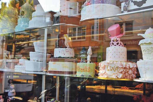 Neben Gastronomie und Bäckereien gibt es erstaunlich viele Juweliere auf der Keupstraße.