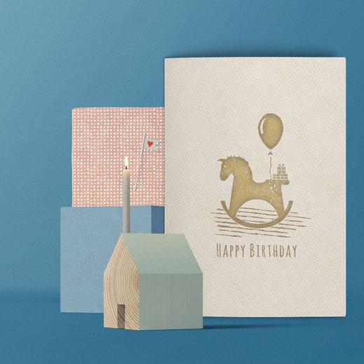 Geburtstagskarte ›Happy Birthday - Schaukelpferd‹ von Lazy Day Paper
