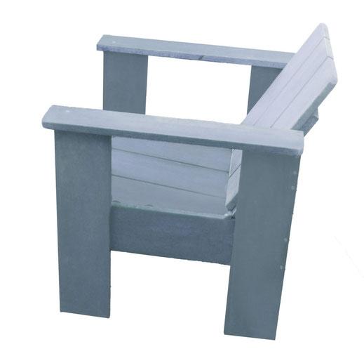 fauteuil peint en bleu