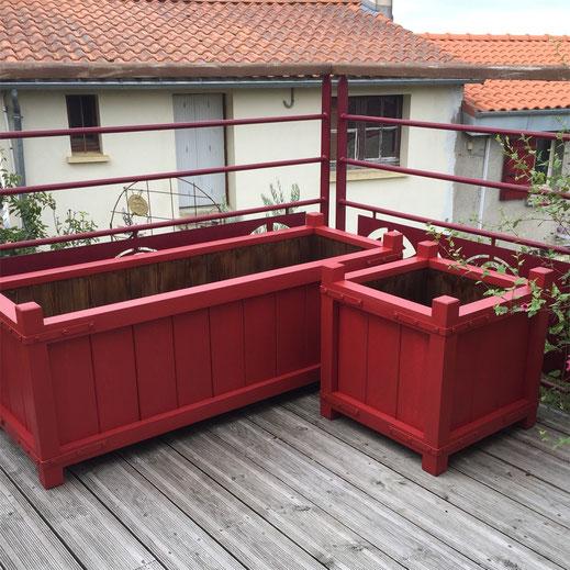bac oranger peint rouge