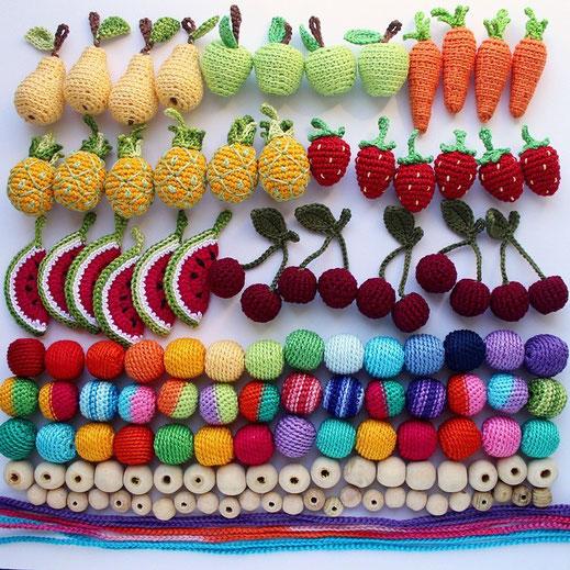 Olinohoby: вязаные бусы с фруктами, слингобусы. Crochet necklaces, nursing necklaces