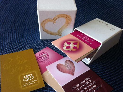 Individuell gestaltete Box mit Ihrem Namen und 49 Herz-Karten
