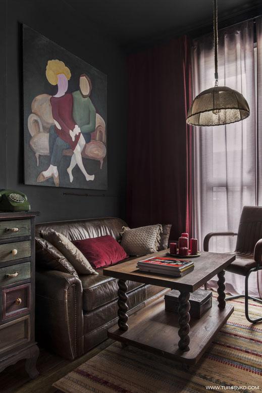 дизайн гостиной в стиле лофт  в темных тонах 89163172980