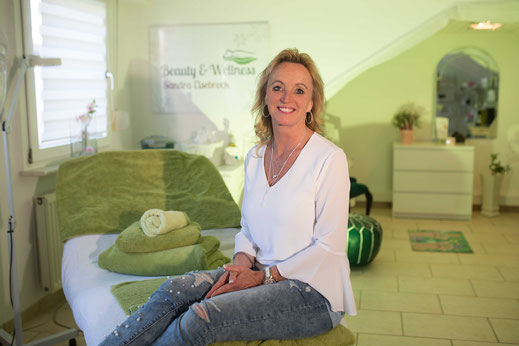 Sandra Elsebrock in Ihrem Beauty & Wellness-Studio