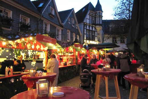 Der Weihnachtsmarkt in bergischer Kulisse