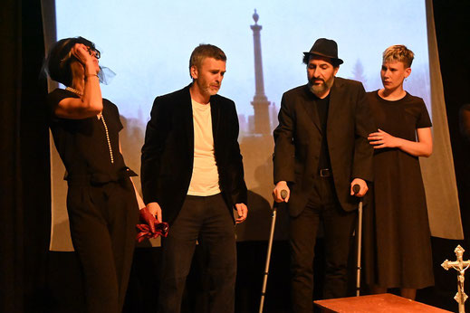Stage théâtre, cours florent, école de théâtre, cours adultes, improvisation, commedia dell'arte. meilleure école de théâtre à Bruxelles