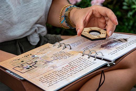 Das Rätsel-Begleitbuch soll Hinweise für die Rätsel geben