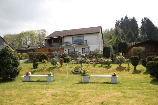 Gartenanlage, Liegewiese, Grillplatz