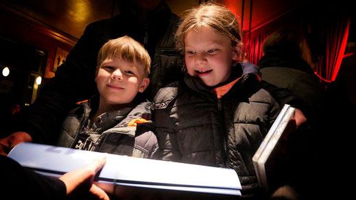Unsere Kinderdarsteller*innen auf der Premiere