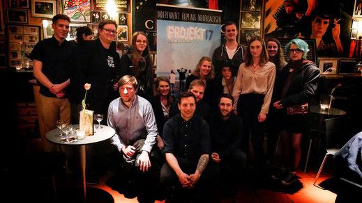"""Das Team bei der """"Projekt 17"""" Premiere in der Schauburg in Bremen."""