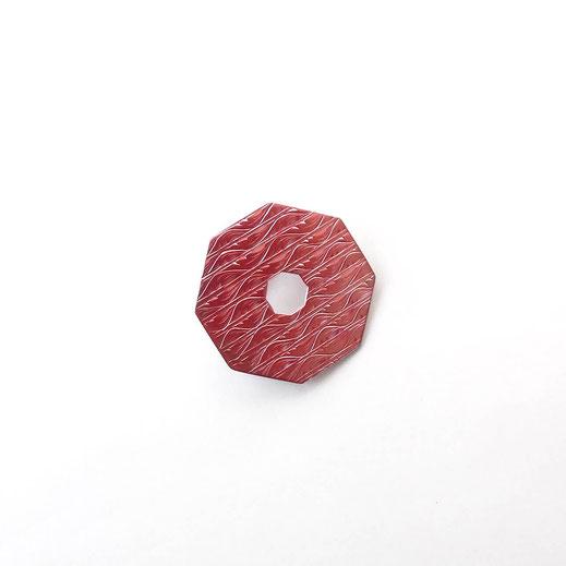 八角形緋銅ブローチ