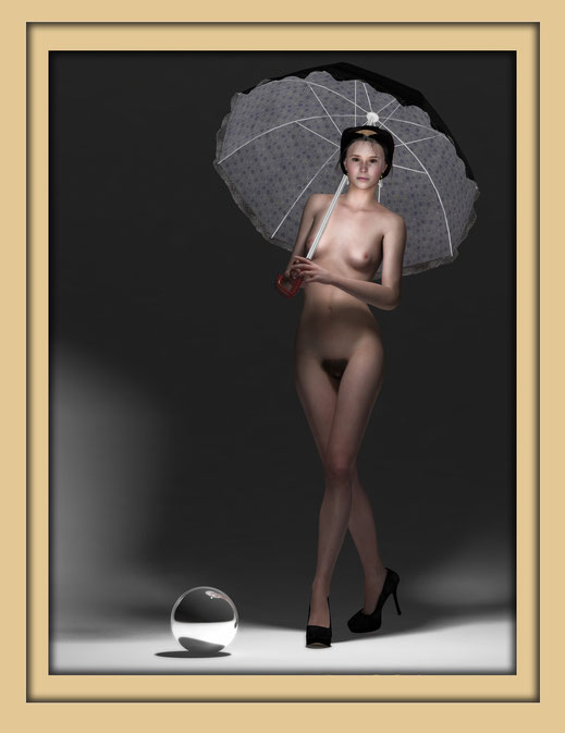 Akt mit Schirm monochrom 3 - Monochrome Aktbilder von Marcus Löhrer auf der Aachener Kunstroute 2016