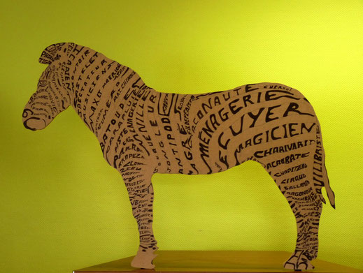 """Un objet ?... oui ! """" Un drôle de Zèbre """" pour Charivari - Concept : Armelle Dubus -                         Découpe : Philippe Landais - Graphisme : Armelle Dubus, Photographie : Yves Legall"""