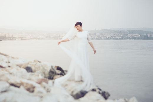 rova FineArt Wedding Photography - conceptual wedding photography - destination wedding - lake garda