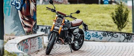 Caballero Deluxe 500 abgestellt im Park bei Performance-Bikes Dülken
