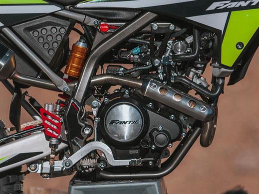 Fantic Motard XMF 125 Competition mit E5 Minarelli Motor