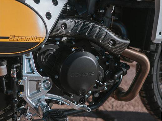 Caballero Scrambler 500 rechte Motorseite mit Seitendeckel
