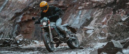 Caballero Rally 500 im steinigen Gelände