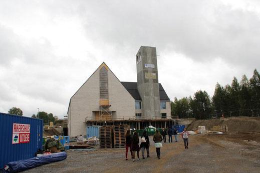 In Norwegen, wie hier in Jessheim, werden Kirchen gebaut.