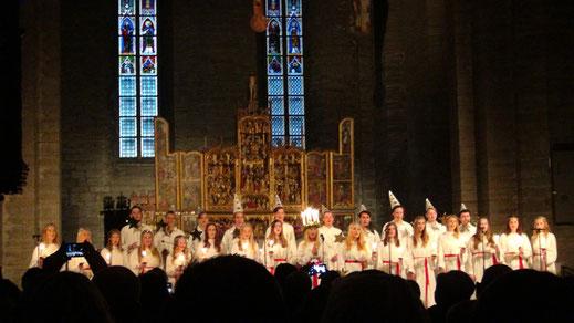 Konzert mit Lucia-Zeremonie.
