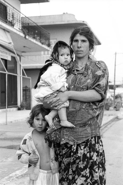 Roma Mother with Daughters, Messeni/Greece