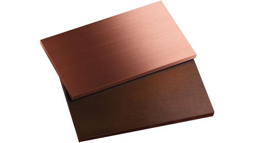 Bronze und patinierte Baubronze