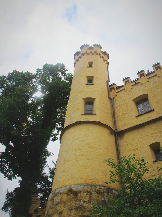 chateau bavière allemagne hohenschwangau jaune