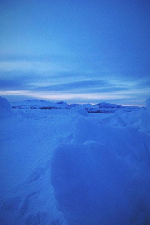 bigousteppes norvège arctique nuit bleu glace camion