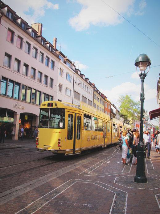 freiburg tram ville rue