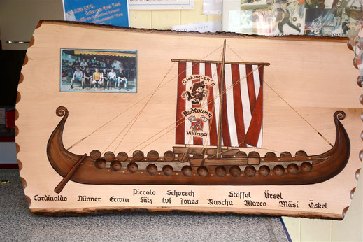 Geschenk der Vikings Rotehnthurm an die Chäpples zum Abschlussfest der Chäpper Apreskihütte