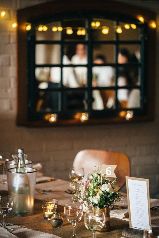 Tischdekoration DIY Hochzeit Blumen