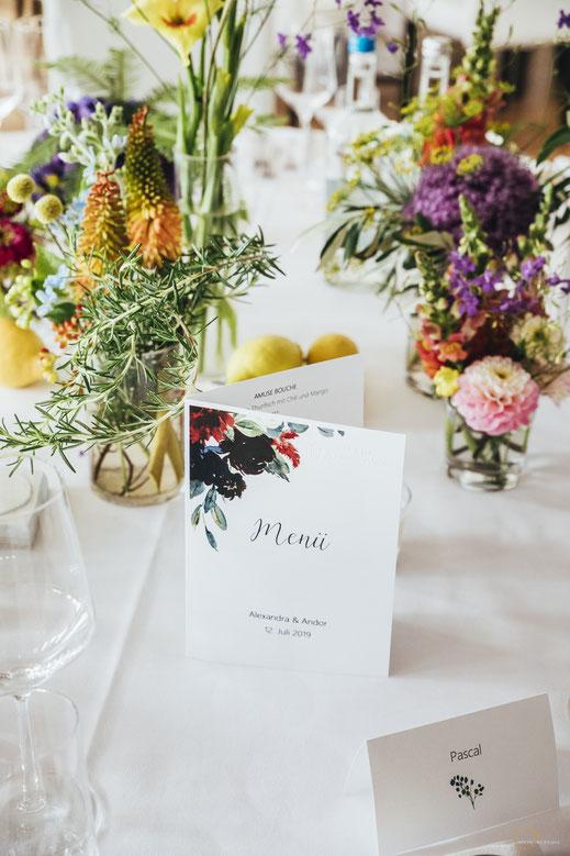 Inspiration Hochzeitsdekoration Blumen bunt