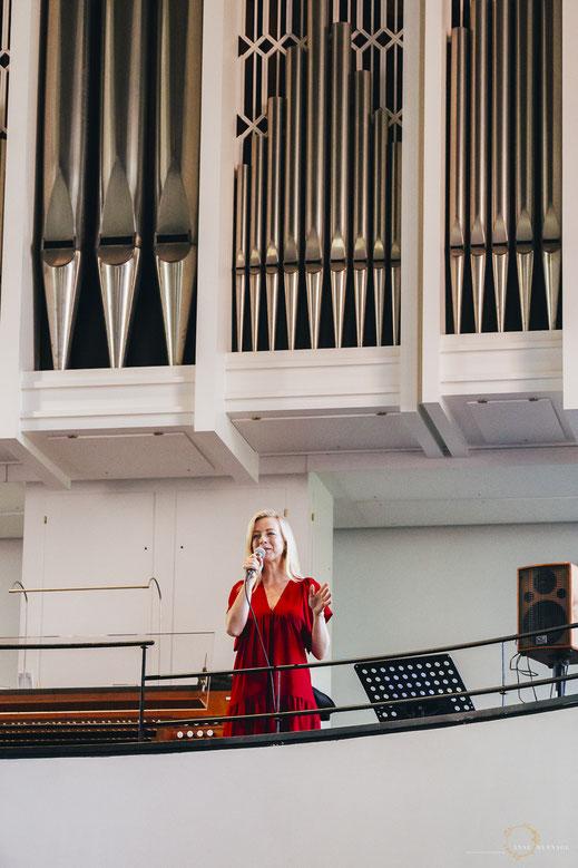 Sängerin Trauung Kirche Blankenese am Markt