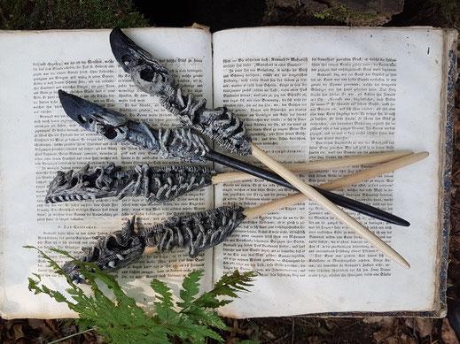 Zauberstäbe, Knochenstäbe, Rabenstab, Drachenstab, fantasyprops, irrlichtjaeger
