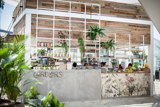 Diseño y fabricación de espacio y mobiliario
