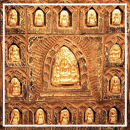 Buddhastelen aus Thailand - besondere Geschenke bei Lebenswerte