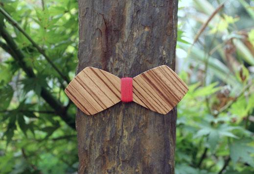 Noeud papillon bois rayé pour femme