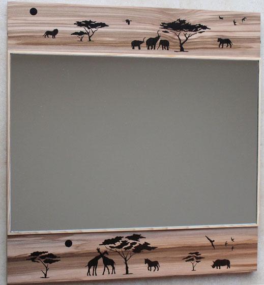 Miroir en marqueterie bois savane afrique silhouettes d'animaux et d'arbres