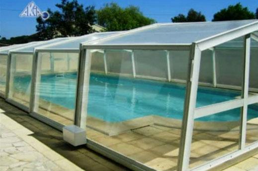 Installation de motorisation pour abri de piscine de taille moyenne  Akia TWIN